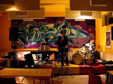 , title : 'Yellow Dogs (Paolo Conte Tribute Band) - Bartali'