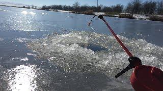 Такой рыбалки у меня еще не было! Ловля карася зимой. Наловил монстров.