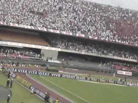 Torcida do Corinthians calando a do São Paulo em pleno Morumbi