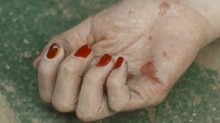 《火星生活》1,凶手专挑年轻女性作案,每次都给受害人涂上红指甲!