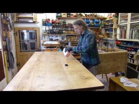 Holz ölen, Teil 3, Tischplatte ölen, Leinöl und Holzöl (Tungöl) auf Möbeloberfläche, Holzoberfläche