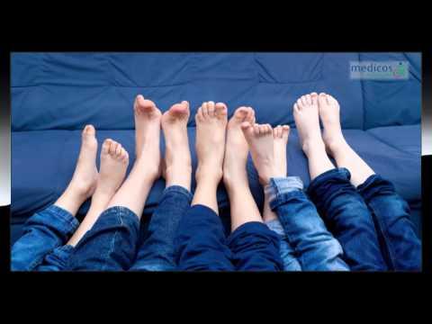 Der Kern auf dem Daumen des Beines die Behandlung ohne Operation