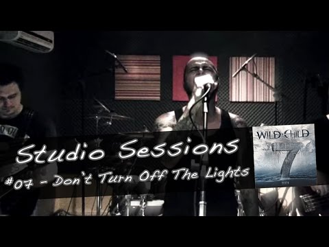 Música Don't Turn Off The Lights