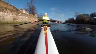 preview picture of video 'Sculling over Chester weir in a fine Wintech skiff.'