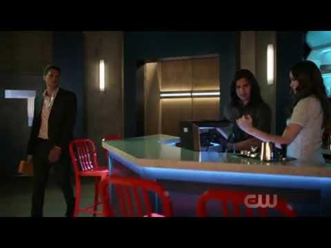 Flash season 5 episode 1 Ralph prank Cisco&Caitlin