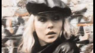 Blondie Live it Up