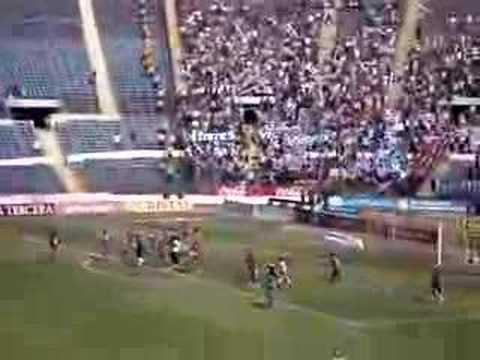 """""""UC vs Indios (05-11-06) / Los Cruzados / Salida del equipo"""" Barra: Los Cruzados • Club: Universidad Católica • País: Chile"""