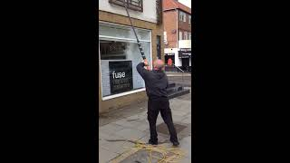 STAY SAFE AND STAY CLEAN FOR COMMERCIAL WINDOW WASHING IN LONDON