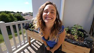 Il suffit de beaucoup de motivation, demander de l'aide et du matos aux copains, investir un peu de temps et d'argent, et S'Y METTRE !   Ma chaîne principale : https://www.youtube.com/swannperisse Mon insta : https://www.instagram.com/swannperisse/ L'insta de Julie Sortez Tout Vert : https://instagram.com/sorteztoutvert?igshid=1eyr9o47dbuga L'insta de Florian : https://instagram.com/_ff8flo?igshid=bb02lnsss7xu L'insta de Nicolas Meyrieux (qui fait des stories potager) : https://www.instagram.com/nicolasmeyrieux/   Merci à Faustine Cros pour le montage et à Julie Manoukian pour la production et à toute la Swannyteam pour l'amour