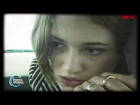 Asia Argento: io vittima criminalizzata dalle donne - Porta a Porta 17/10/2017