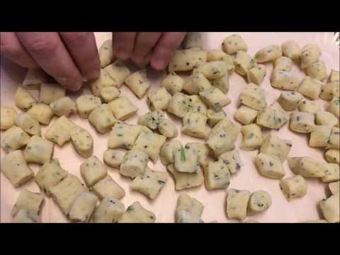 Come si preparano gli gnocchetti alle erbe aromatiche