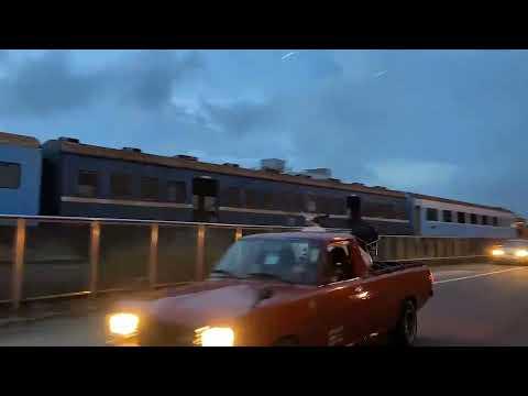 3節台鐵退役車廂 從三義車站拉至龍騰斷橋周邊安置