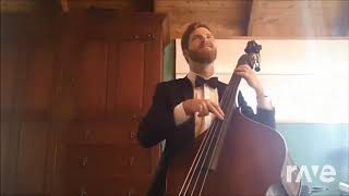 A The Serious Comes Flood Solo - Alexander Verster & The Divine Comedy | RaveDJ