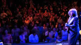 Joan Armatrading and the crowd performing Best Dress On