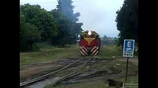preview picture of video 'Tren del Belgrano Carcas saliendo de Tafi Viejo al mando de la EMD GM GT-22CU #9751 (18-05-13)'