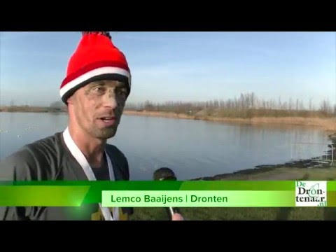 Sportievelingen uit het hele land nemen nieuwjaarsduik bij Flevonice | video