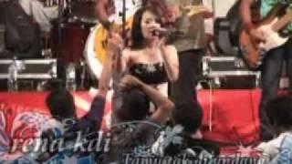 Download lagu Rena Kdi Tamu Tak Di Undang Mp3