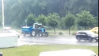 Жители Ставрополя возмущены газоны поливают во время дождя