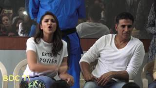 Parineeti says 'Kick some ASS' & Akshay says 'Boys learn to behave'