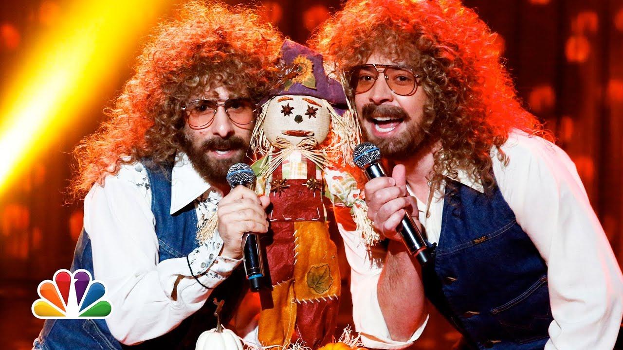"""Mr. Scarecrow"" by Tux (Jimmy Fallon and Jason Schwartzman) (Late Night with Jimmy Fallon) thumbnail"