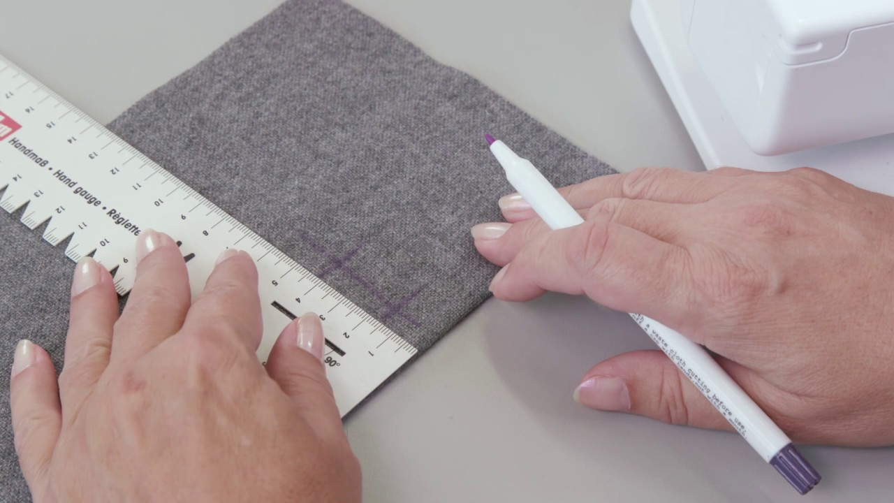 How to sew buttonholes with the BERNINA 325