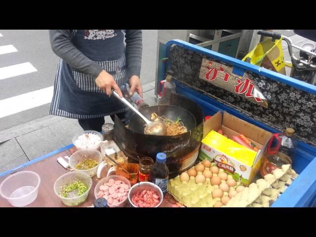 Me-ordering-street-food-in