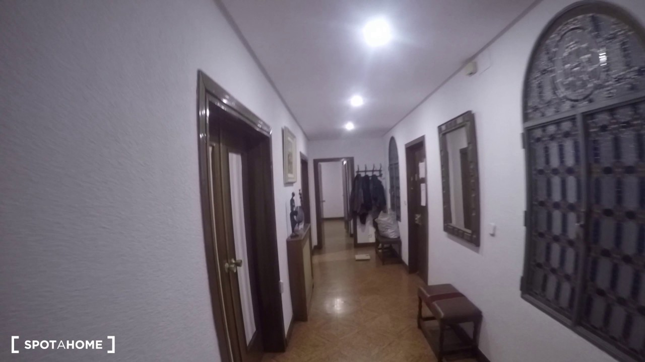 Rooms for rent in a huge student apartment in Ciudad Universitaria