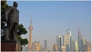 preview picture of video 'Walking The Shanghai Bund'