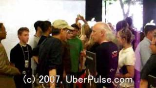 iPhone: Steve Jobs visits the Apple Store in Palo Alto