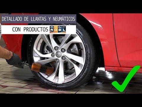 Detallado de llantas y neumáticos con productos ADBL Opel Astra