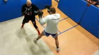 preview picture of video 'Mateusz Kaczmarczyk SHIDO TEAM J.G oraz W-ów 26.02.13 Sparing sam Boks'