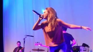 Rich Kids - Bea Miller (Las Vegas 08/13/15)