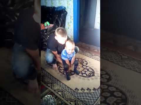 Папа с сыном #смех#отецсын#дети#приколы