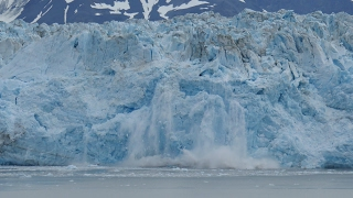 Radiance of the Seas Cruise Ship - Hubbard Glacier - Ice Calving