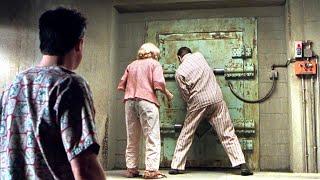 为躲避核战,一家人在地下住了35年,手中股票暴涨到几千万美元!