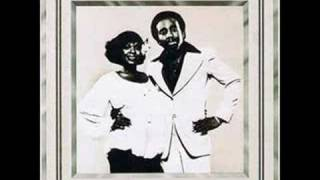 Jerry Butler & Thelma Houston - If You Leave Me Now (1977)
