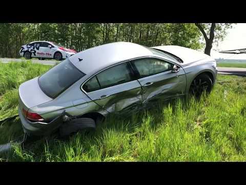 Wideo1: Kolizja volkswagena i mercedesa przed wjazdem do Wschowy