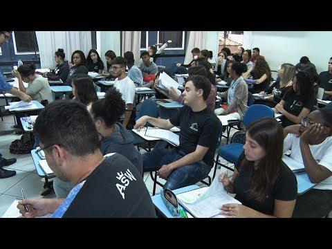Enem: veja como alunos de Nova Friburgo se preparam para a maior prova do país