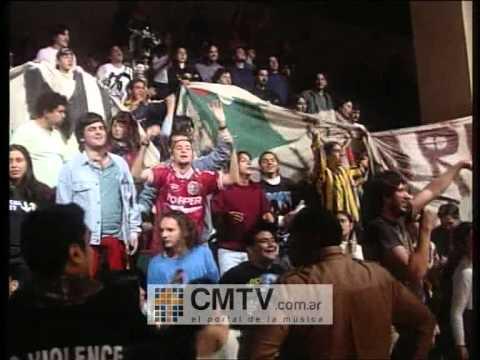 Bersuit Vergarabat video Qué pasó? - CM Vivo 2000