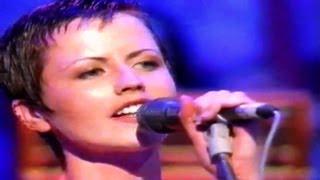 Dolores O'Riordan - Live