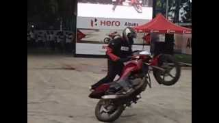 preview picture of video 'Hero Hunk Bikes Stunts at Colombo Motor Show 2014 - Part 2'