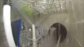 Смотреть онлайн Работа посудомоечной машины изнутри