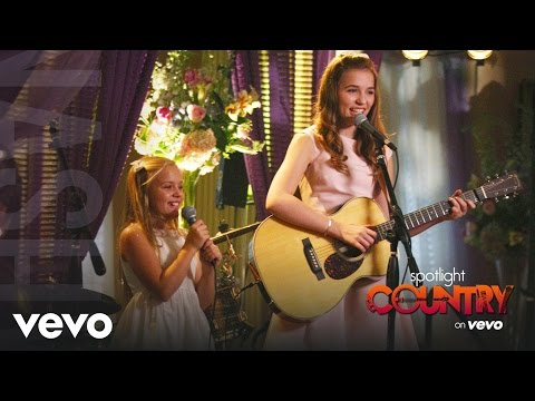 Lennon & Maisy Release 'Nashville' Album as Maddie & Daphne Conrad (Spotlight Country)
