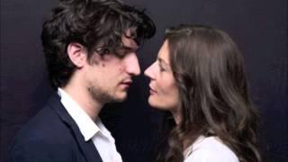 Autour de ton cou - Chiara Mastroianni & Louis Garrel  (Les bien-aimés)