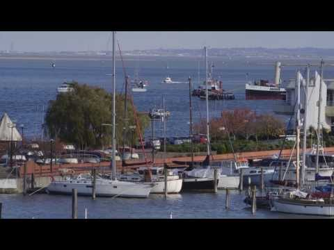 PS Medway Queen returns to Gillingham Pier, Medway