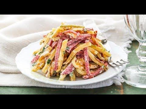ВКУСНЕЙШИЙ САЛАТ из копченой колбасы! Как приготовить салат из колбасы?!