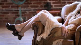 Ariat Cowgirl Boots & A Dress? Yes!  Its Part Of The Western Lifestyle On This Ariat Fashion Video