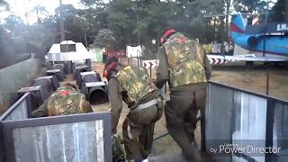 Fun Army recorriendo el escenario de swat con pistolas de hidrogel
