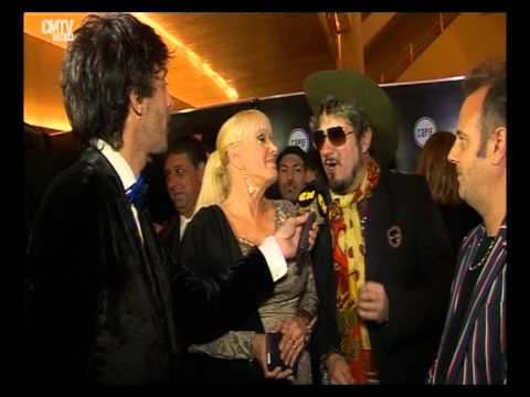 Valeria Lynch video Entrevista con los Decadentes - Premios Gardel 2015