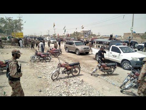 Πακιστάν: Επίθεση αυτοκτονίας σε εκλογικό κέντρο – Δεκάδες νεκροί…
